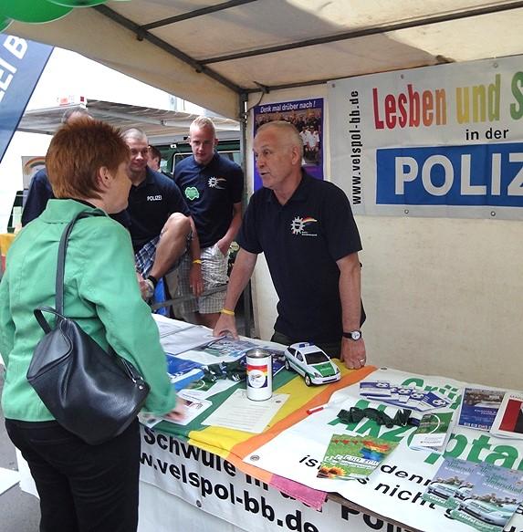 CSD: Schwule und Lesben feiern am Rhein STERNde